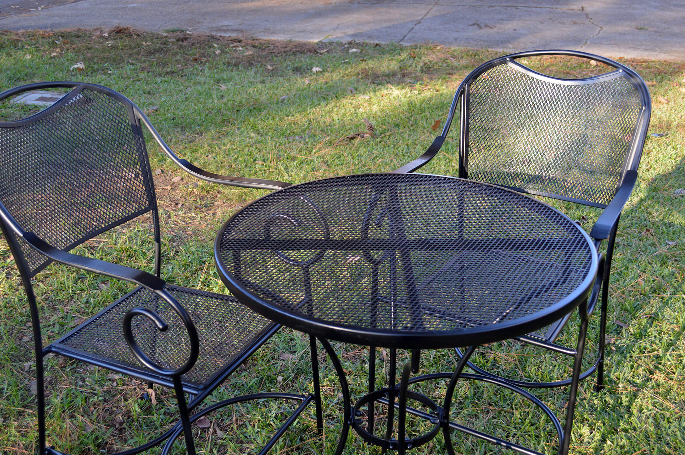 Restore Metal Outdoor Furniture To Like New