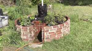 keyhole garden brick