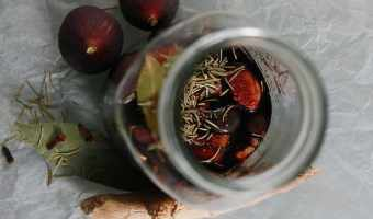 How to Make Herb Vinegar