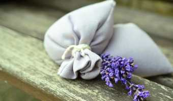How to Use Lavender to Freshen Laundry