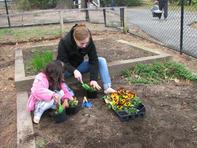 gardening-with-kids-13