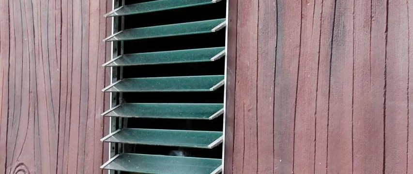 How to Ventilate a Summerhouse or Log Cabin: Stop Condensation