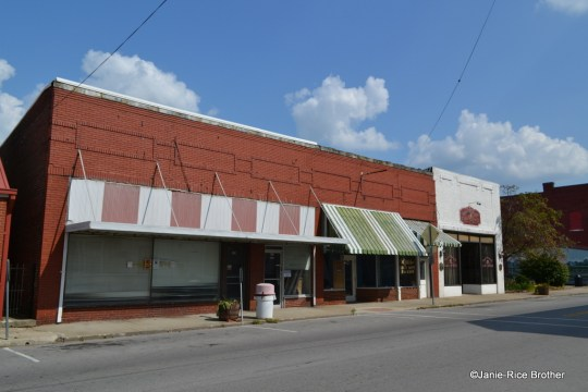 These one-story commercial buildings date from the 1930-1950 time period.