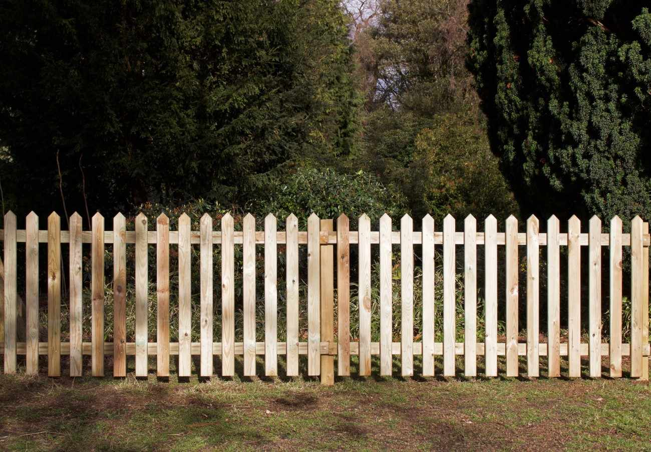 Picket Fencing Arris Rails Paint Options The Garden