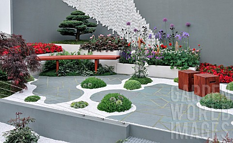 Moss Thrives In Japans Naturally Humid And Rainy Climate Zen Garden Design