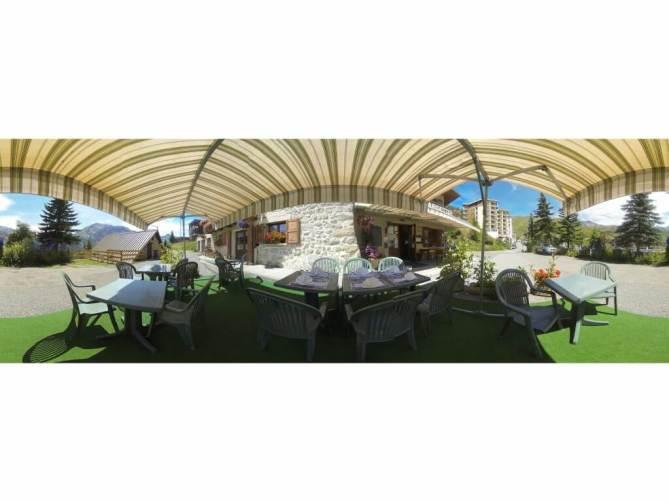 Hotel Orcieres terrasse