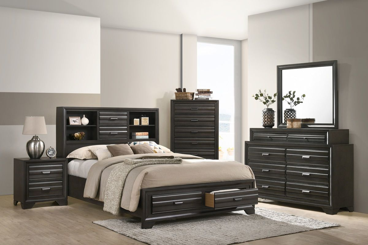 Briscoe 5 Piece King Bedroom Set With 32 Led Tv