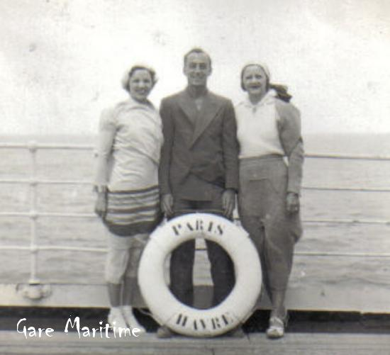 Posing by SS Paris lifering