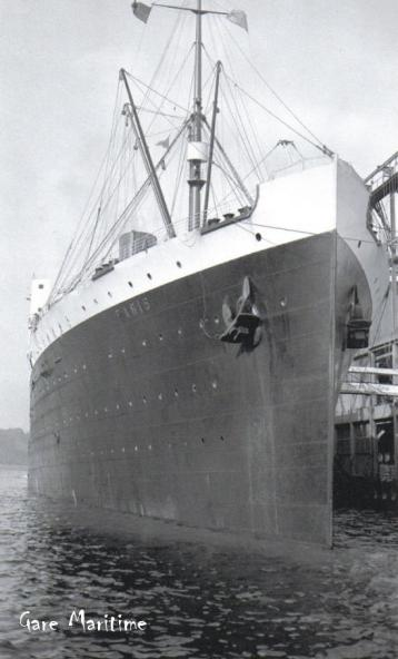 SS Paris Bow