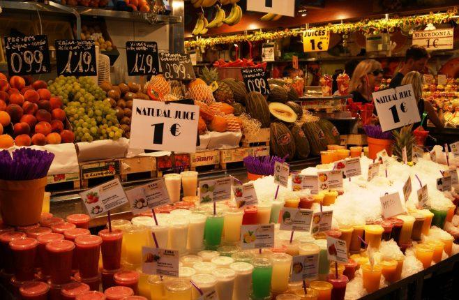 Sucos geladinhos a 1 euro. Crédito de imagem Surian Dupont