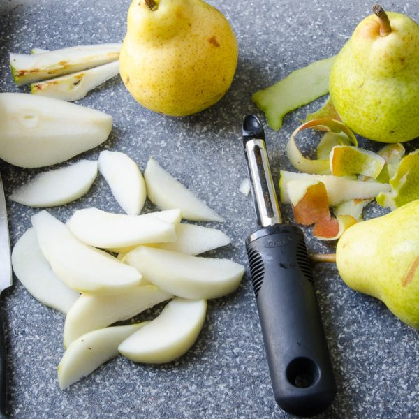 ginger pear and almond crumble |Garlic + Zest