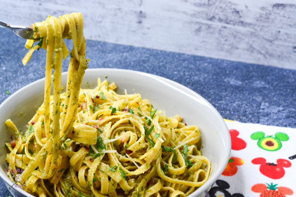 fettuccine with pesto and pancetta