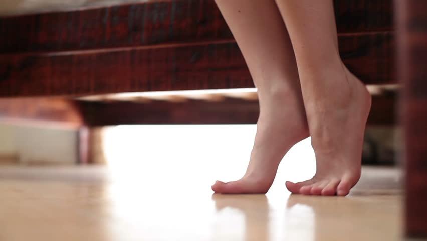 Caminhar descalça pela casa