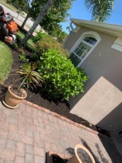 Benefits of Landscape Mulching in Vero Beach FL 751