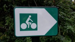 French cycle route sign