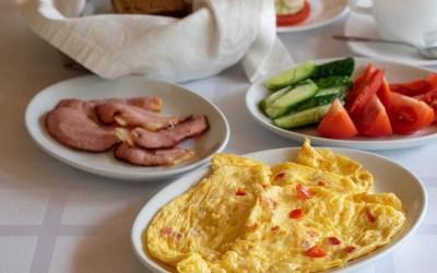 """Brokastis """"Zaļajā salā"""""""