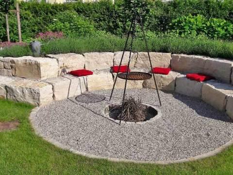 grillplatz im garten gartenhaus carroz-modern-: paradies mit teich & grillplatz