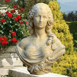 Gartenfigur aus Steinguss - Margaret