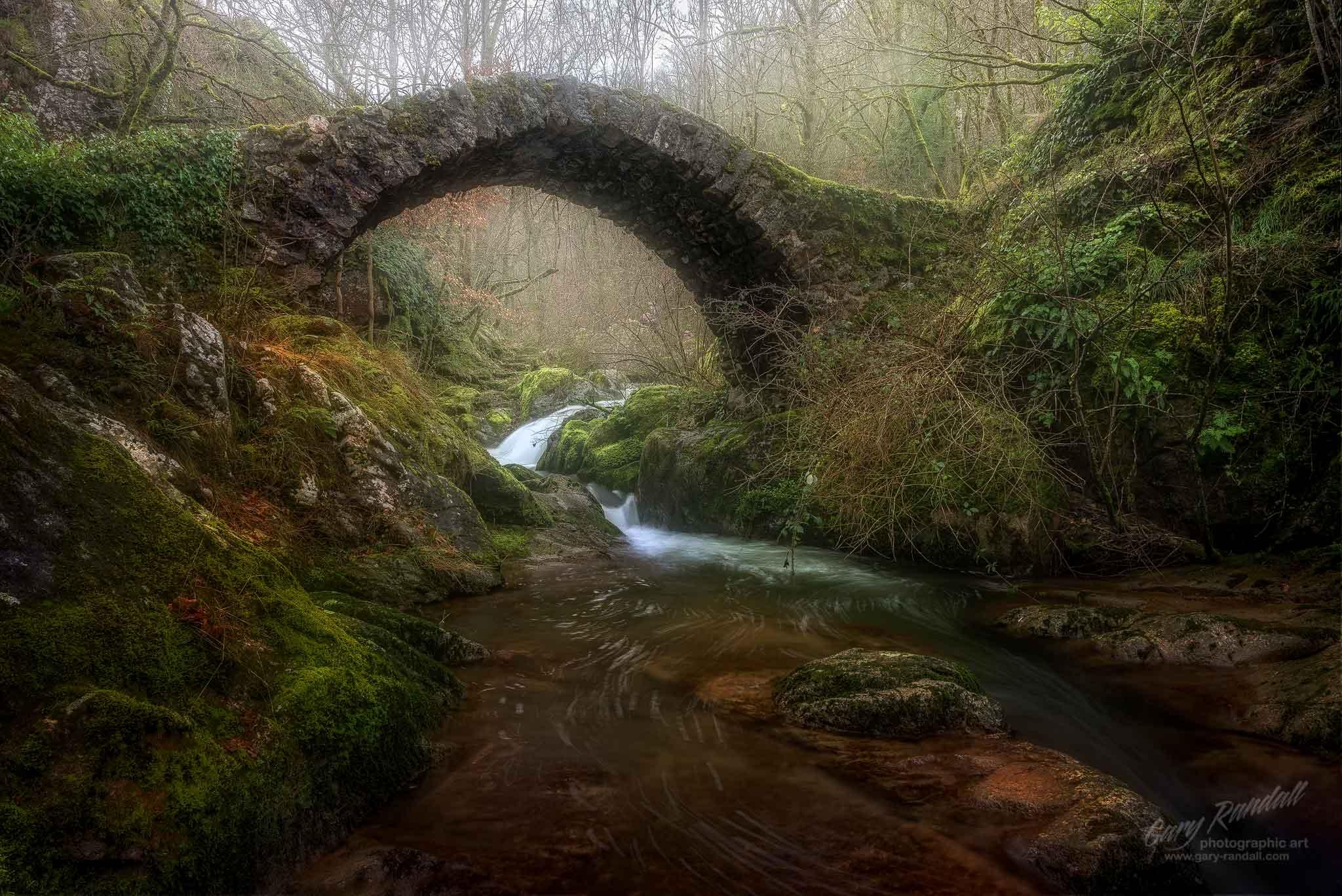 Pont du Parayre, Le Ruisseau d'Audiernes, Peyrusse le Roc, France