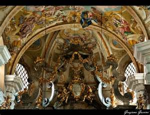 Basilika Mariatrost, Mary at front and center (15th c with baroque decor)