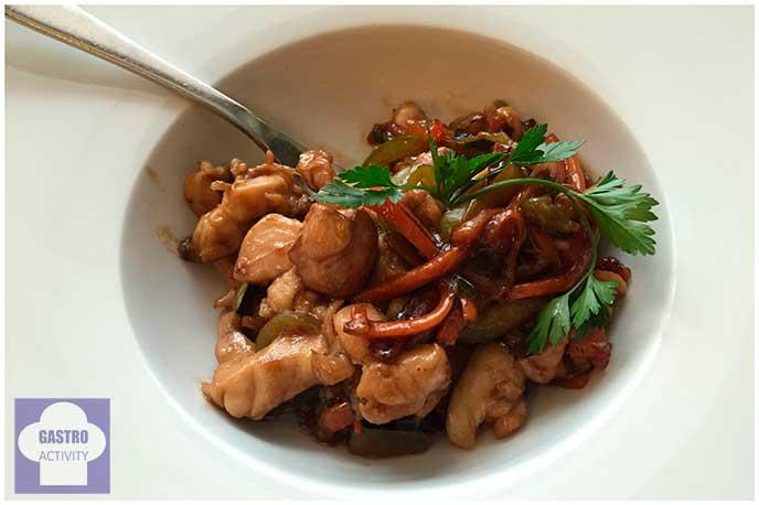 Wok de pollo con verduras Restaurante La Candelita Madrid