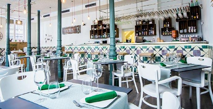 Interior Restaurante Bacira cocina fusion