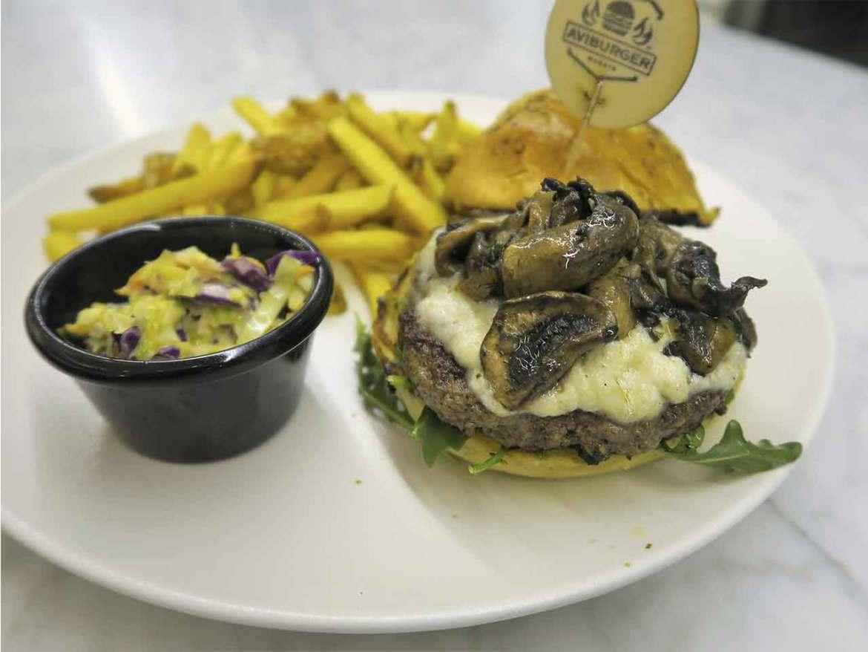 Hamburguesa Pirineos AviBurger hamburgueseria venezolana en Madrid