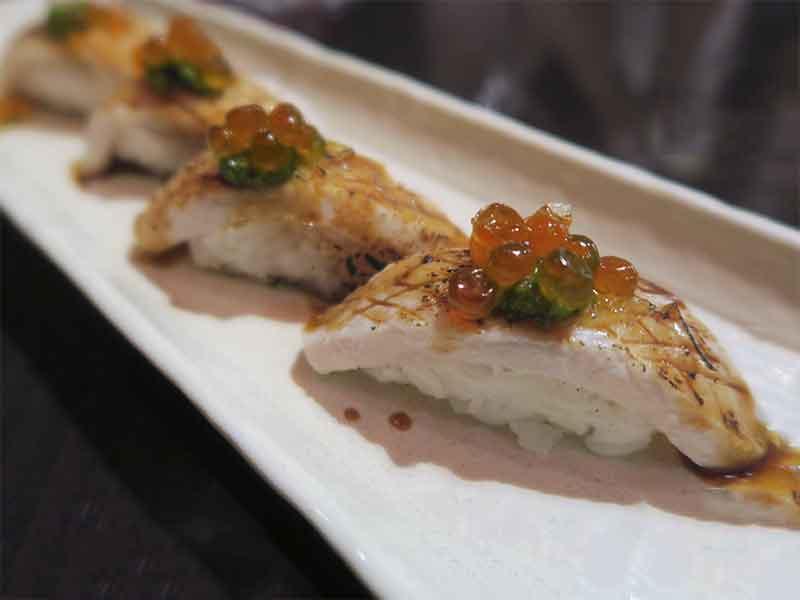Restaurante japones Inari Hamachi Chimichurri