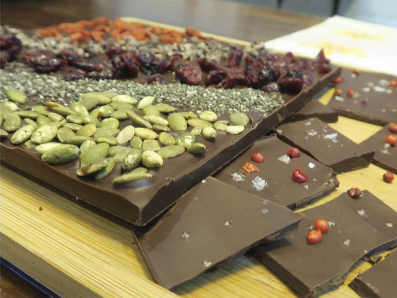 Chocolate Flor dKKO chocolate con bayas de goji chia pimienta sal