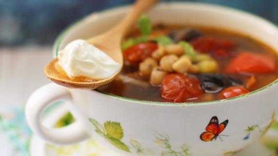 Mushroom chorba with beans