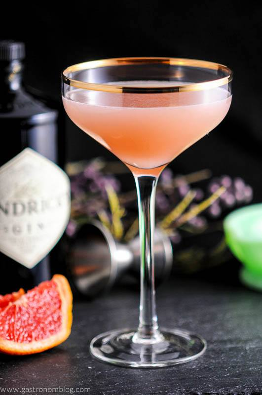 The Pink Pear – A Gin and Grapefruit Cocktail