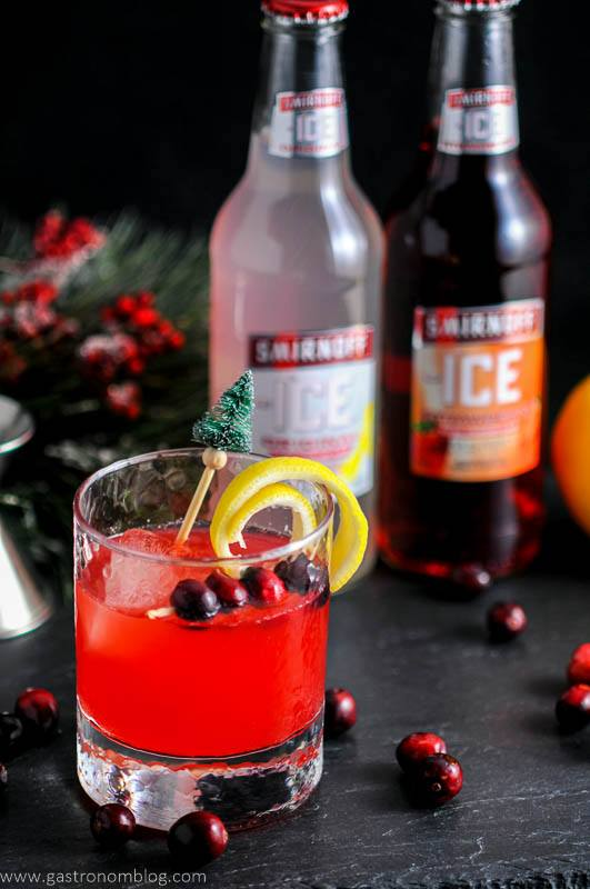 Smirnoff Ice Original and Smirnoff Ice Strawberry are featured in the Holiday Berry Sparkler Cocktail, a great sipping cocktail perfect for holiday parties!