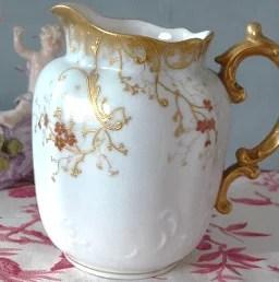Pot à lait en porcelaine de Limoges
