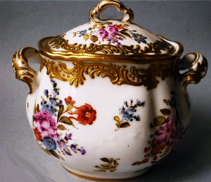Sucrier en porcelaine de Limoges