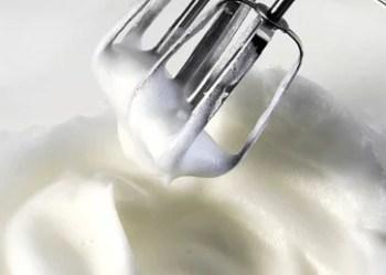 Monter des blancs d'œuf au batteur électrique