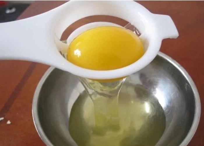 Séparateur de blanc et de jaune d'œuf