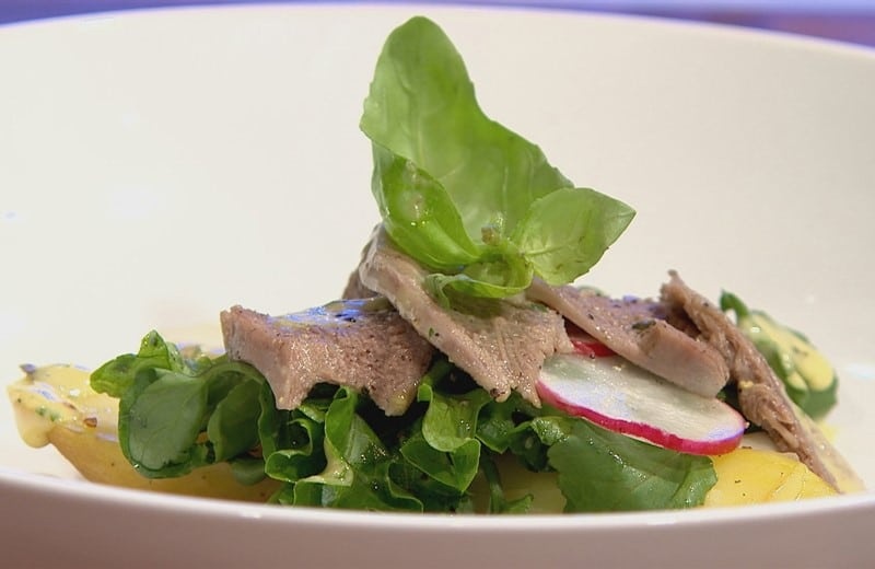 Salade tiède de langue de veau