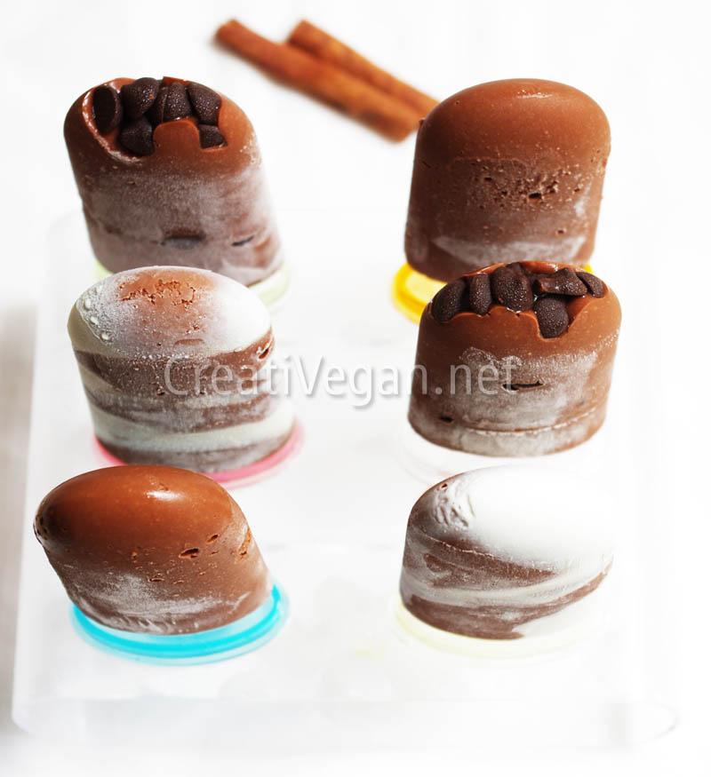 Polos de mousse de chocolate vegana