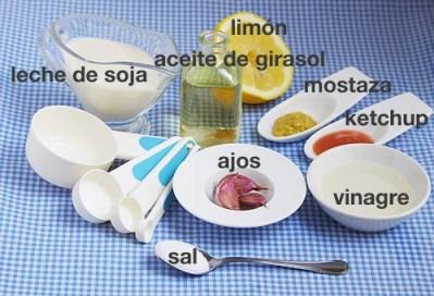 Ingredientes para hacer veganesa © 2012 CreatiVegan
