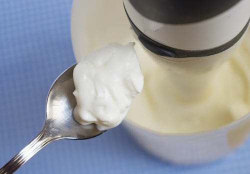 veganesa espesa, con 3 partes de aceite y 1 de leche de soja