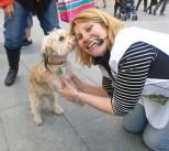 Silvia y un perrete
