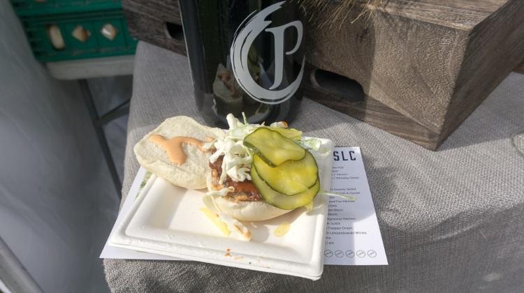 eat drink slc avenues proper chicken sandwich 2015