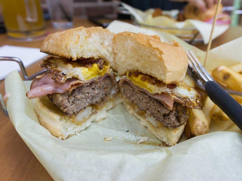 Warren's Craft Burger - BAD burger cross section