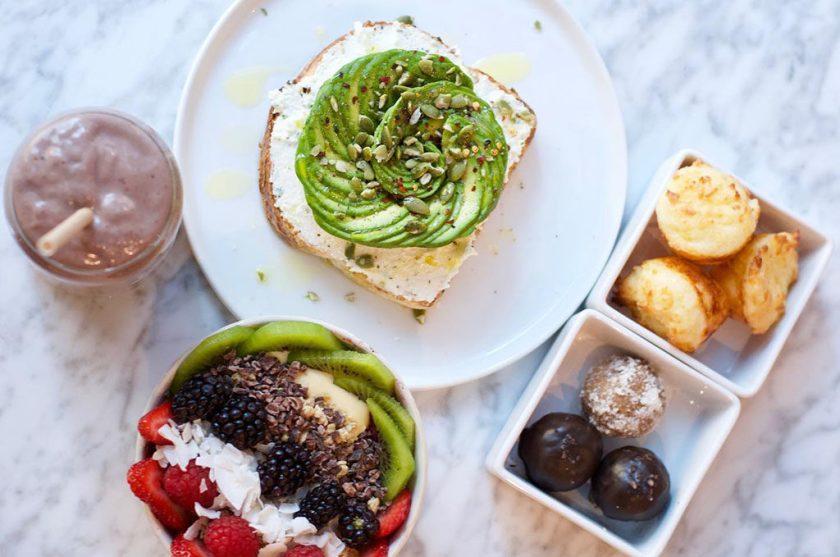 Honest Eatery - avocado and hummus toast (Honest Eatery)