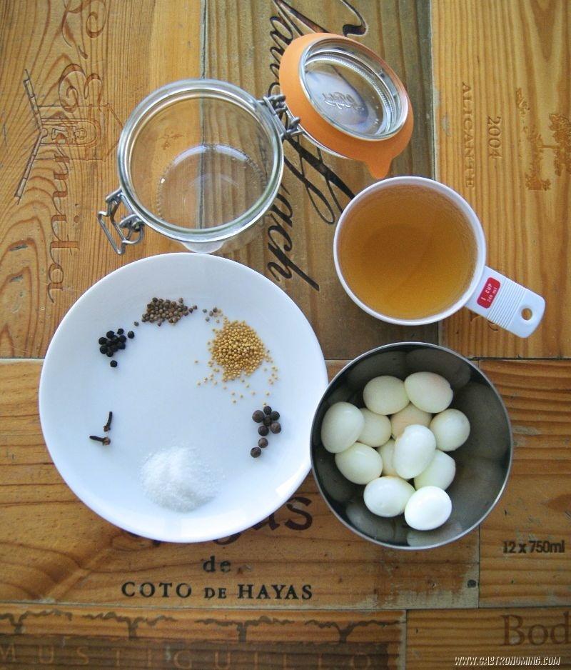 Huevos de codorniz en vinagre 1