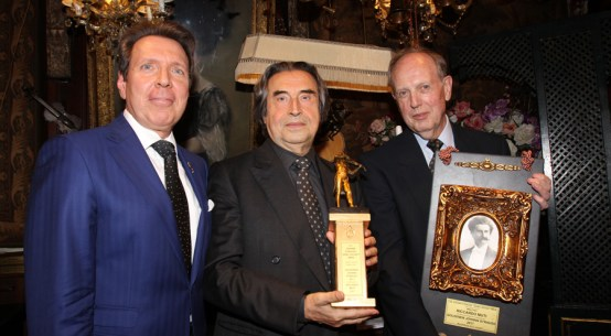 Auszeichnung für Riccardo Muti im Marchfelderhof