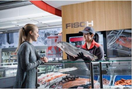 Fischgroßhandel Österreich: Kunden bei Transgourmet erhalten eine umfassende Fachberatung durchausgebildete Fachkräfte.
