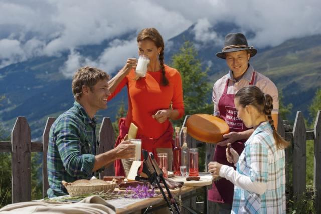 Es geht bergauf Wandergenuss à la carte: Berge, Natur und Kulinarik sind zentrale Säulen des Tiroler Tourismus