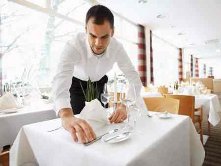 Miele Gewerbegeschirrspüler Hygienisch reine Wäsche und strahlend saubere Gläser dank Miele für den perfekt gedeckten Tisch.