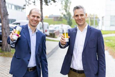 Topo Chico Hard Seltzer Herbert Bauer, Coca-Cola HBC Österreich und Laszlo Niklos, Coca-Cola Österreich